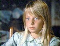 http://4.bp.blogspot.com/_S-1iKQm-z70/TB_ziB12tSI/AAAAAAAAAKg/impCA9WBmMA/s1600/jodie+foster.jpg
