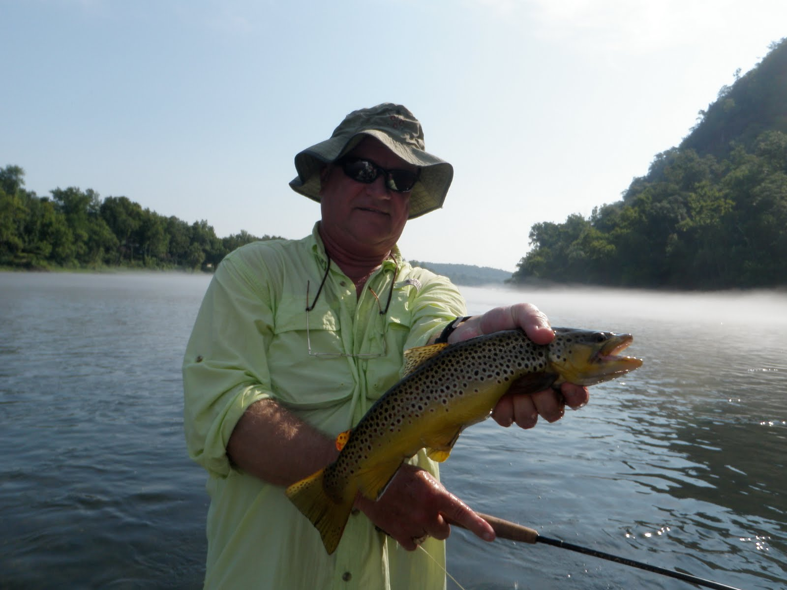 Arkansas fly fishing report white river below bull for White river fishing