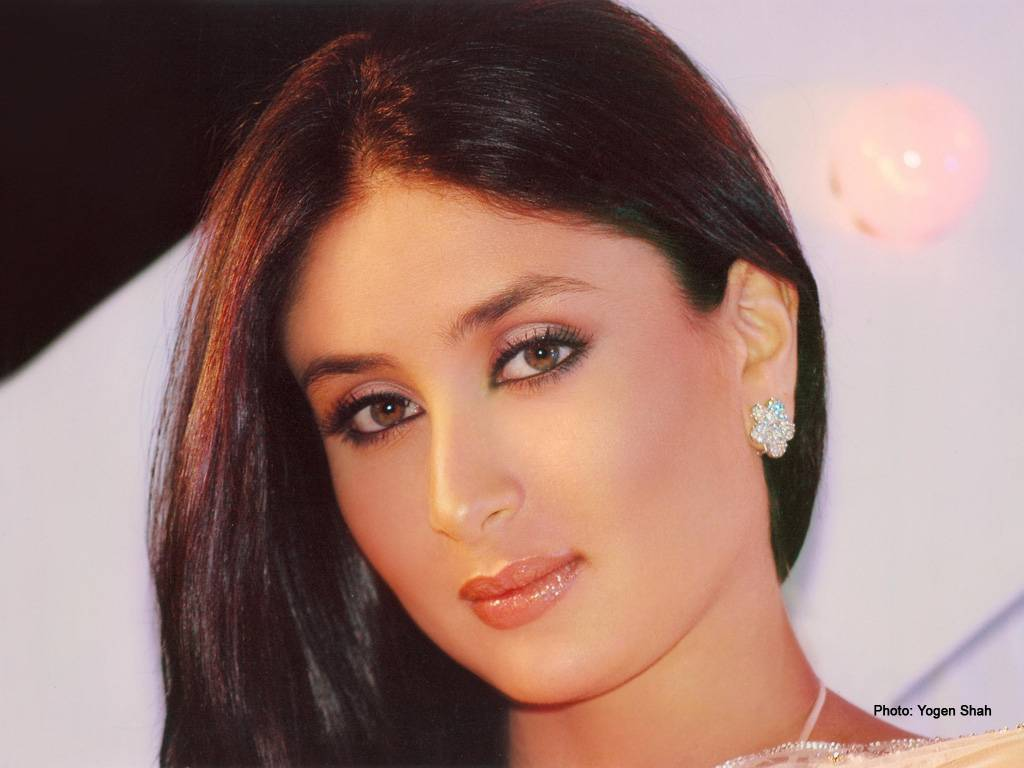Kareena Kapoors Biography - Bollywoodcom