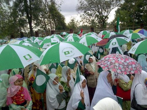 http://4.bp.blogspot.com/_S0RxRnE5fGU/Se8L35Qb5uI/AAAAAAAAICg/vhjYeB6YNDk/s1600/pas-muslimah.jpg