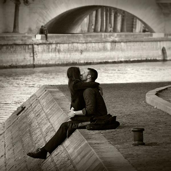Ljubav je sve što nam je potrebno Lovers_____by_the_river_4_by_anjelicek