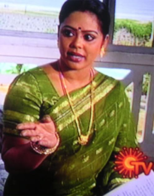 serial aunty devipriya hot photoshoot
