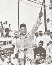 http://4.bp.blogspot.com/_S1ll5f5nZJE/SjABJts3sBI/AAAAAAAAAxY/VWrhBYBdQDM/s320/Tengku+Abdul+Rahman+pun+hunus+Keris.jpg