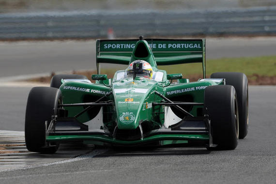 Sporting na Formula Superleage