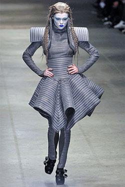 Tuần Lễ Thời Trang Paris Xuân Hè 2013 - Pierre Cardin
