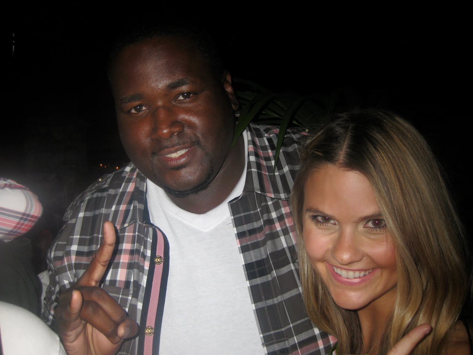 the blind side conflicts michael oher The life of oher is chronicled in the movie the blind side starring sandra bullock the movie was filmed in atlanta released in 2009.