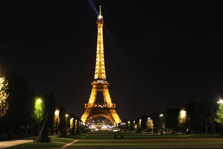 Eiffelistä itään