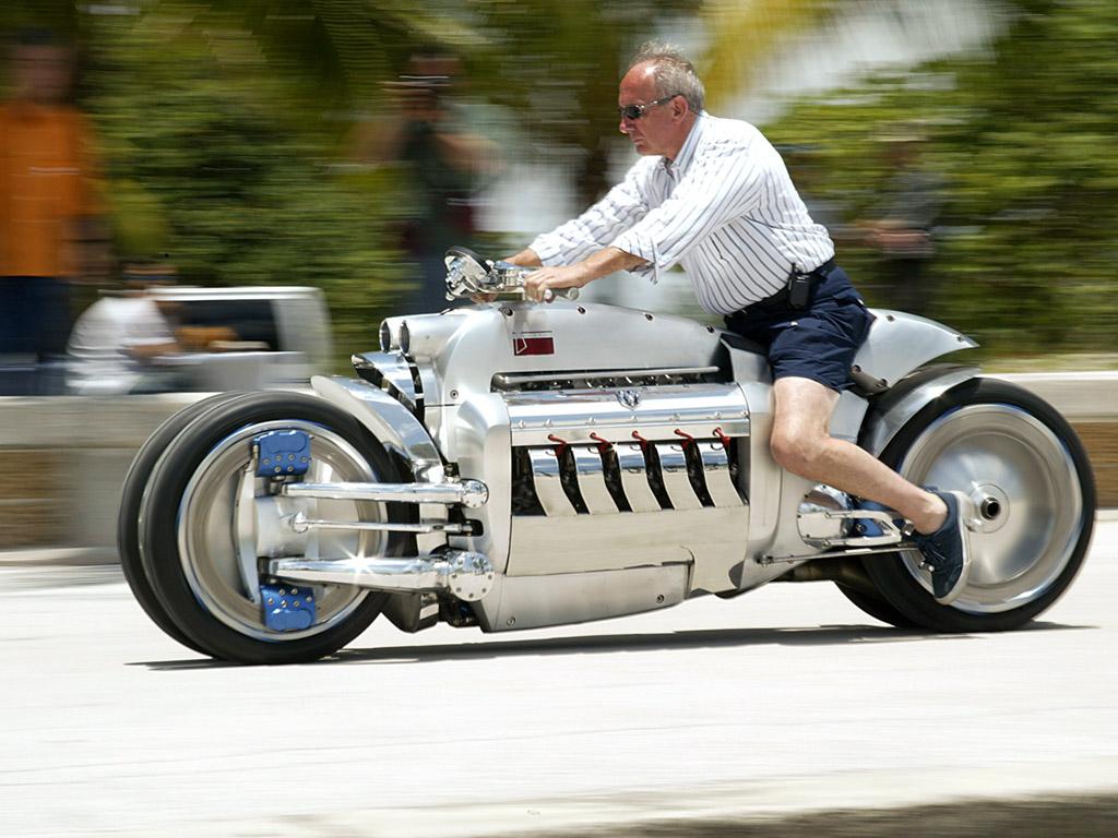 Dodge Viper: DODGE TOMAHAWK .