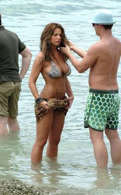 Hairstyles Girl 2011: Abbie Cornish Bikini Image