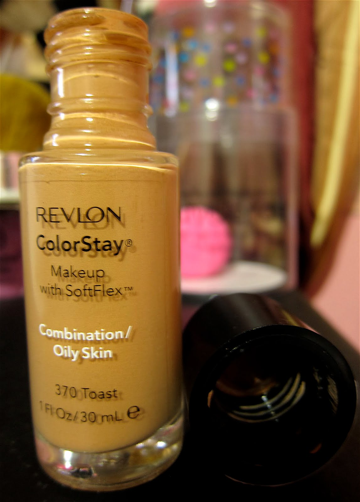 Beauty Junkie i.e Caby: Revlon Colorstay Foundation with Softflex ...