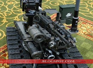 robô, iraque, iraquiano, metralhadora, danger, room, swords, wire, mechael, zecca, m249, blog,