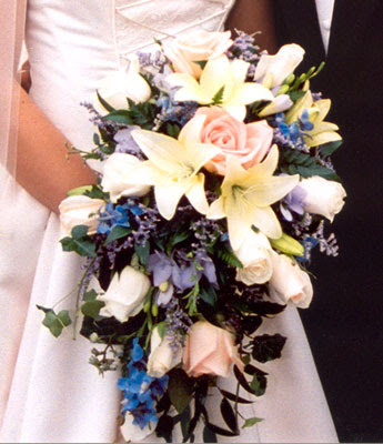 the wedding flower bouquet