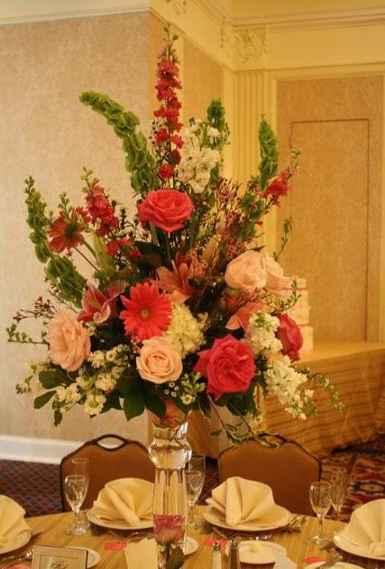 the wedding flower bouquet sizes fresh. Black Bedroom Furniture Sets. Home Design Ideas