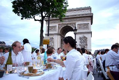Dinner in White, 2007