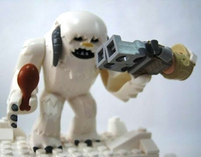 8089 Lego Star Wars Hoth Wampa Cave and minifigures review