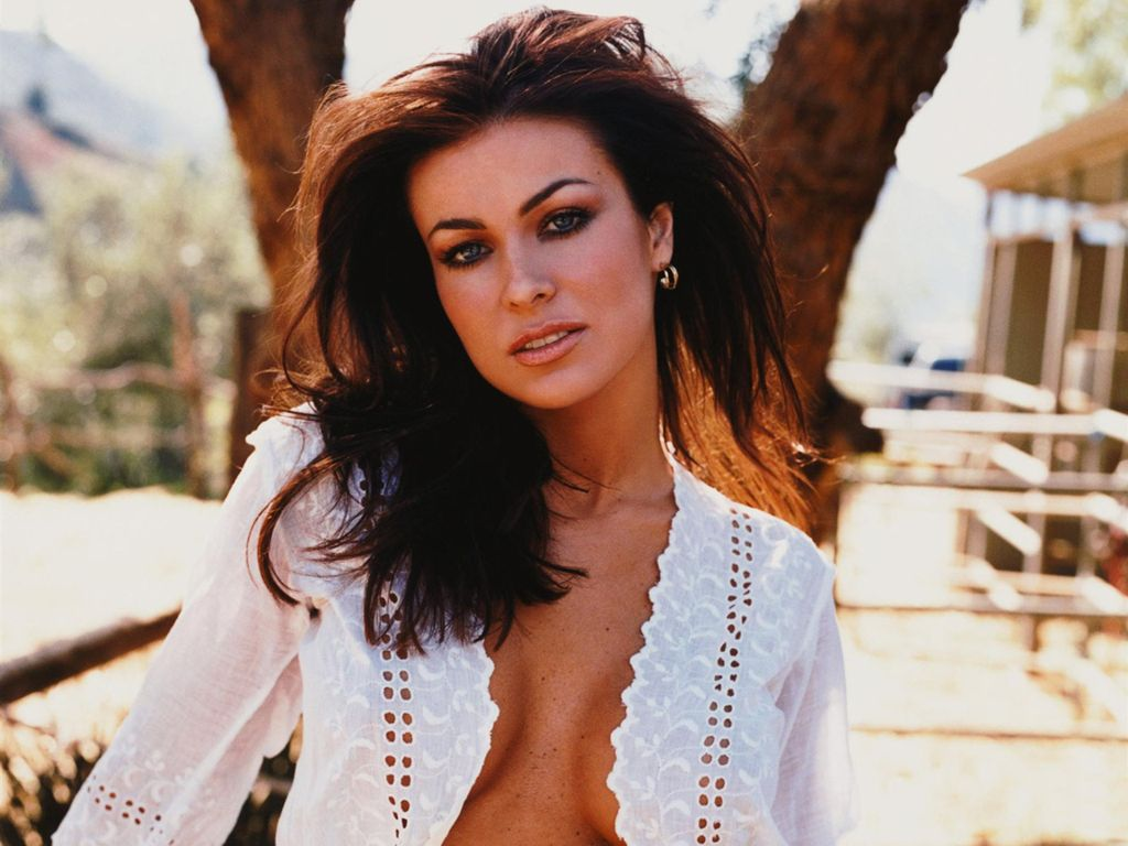 Hot Carmen Electra | World Amazing Pictures, Intersting Facts