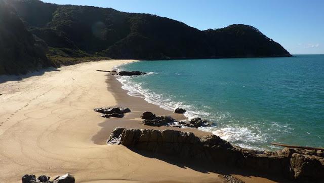 La arena de las playas de Abel Tasman es agradable al tacto
