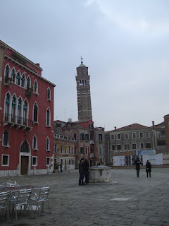 The leaning tower of Venice.