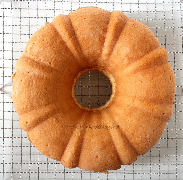Table for 2.... or more: Elvis Presley's Favourite Pound Cake