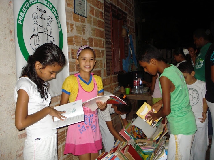Inauguração da Biblioteca Comunitária BArca das Letras do Projeto Vem Brincar Capoeira