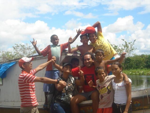 BArca das Letras em ação: incentivando a leitura de mundo com as comunidades ribeirihas.