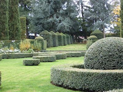 Symmetrical garden design for Outerscapes landscaping