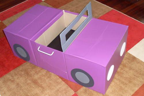 Машина для детей из картонных коробок