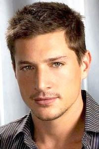 I actually don't like dudes like Simon Rex, but he is so damn fine.