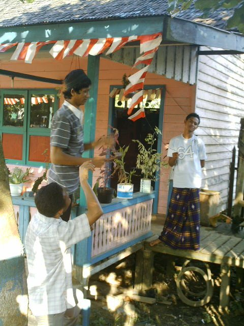 Saling Membantu Dengan Penuh Keikhlasan Demi.... Indonesia