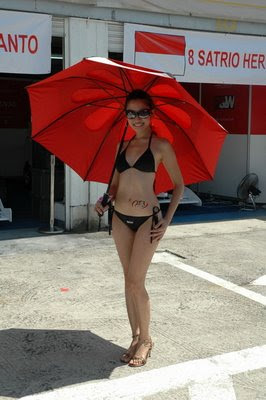 Sexy Umbrella Girls in Sentul Circuit Indonesia