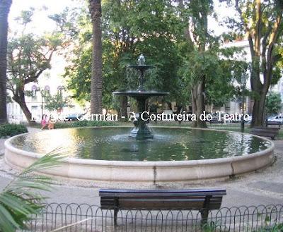 Foto da fonte da Praça da Alegria