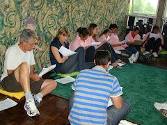 Roda de Leitura para jovens na Biblioteca Pública Municipal Dr. Demetrio Niederauer