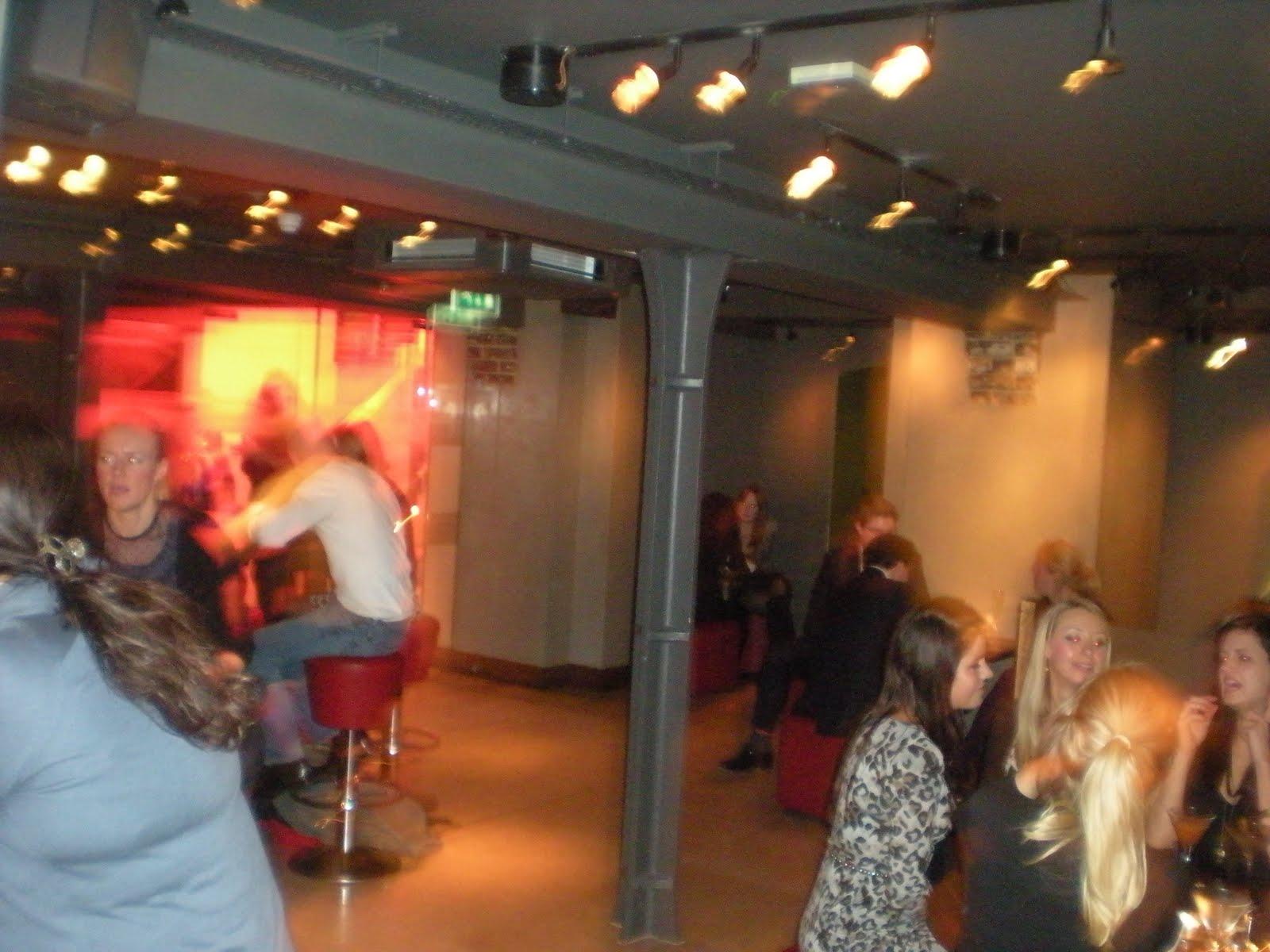 http://4.bp.blogspot.com/_SRPuG9_xzlw/TO_C0eB1rnI/AAAAAAAAA7U/MAu7KArsmzg/s1600/Bar_92_Marylebone_London_Oxford_Street_3.JPG