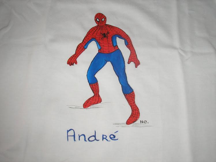 Mais uma t-shirt do homem aranha