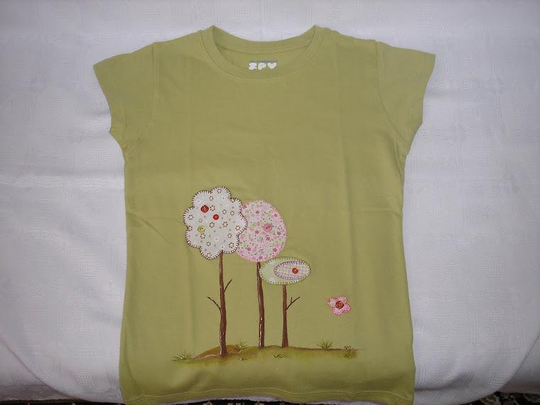 T-shirt  com árvores