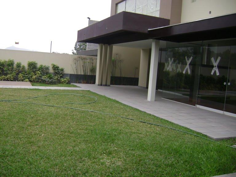 Baño Con Vista Al Jardin:baño incorporado, estar, cocina con comedor de diario con vista al