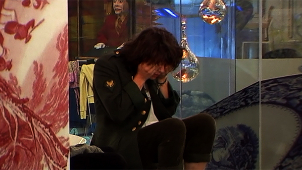 celebrity big brother 2011 bb11 shabby and caoimhe fall out