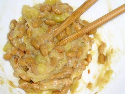 納豆に焼きイモ感覚