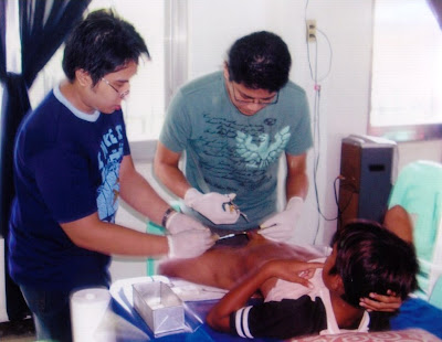Adult Circumcision Procedure http://randydellosa.blogspot.com/2009_05_01_archive.html