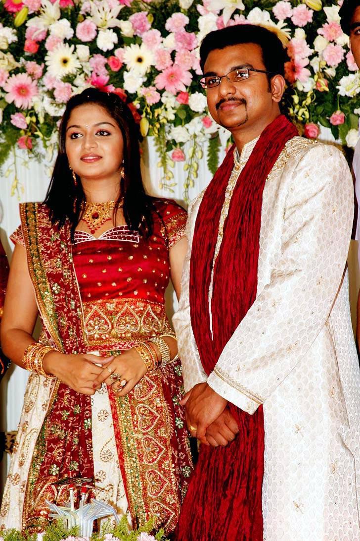 Mallu Actress Karthika Wedding Engagement Photoskarthika Picsmalayalam Cute In Dress Picstamil