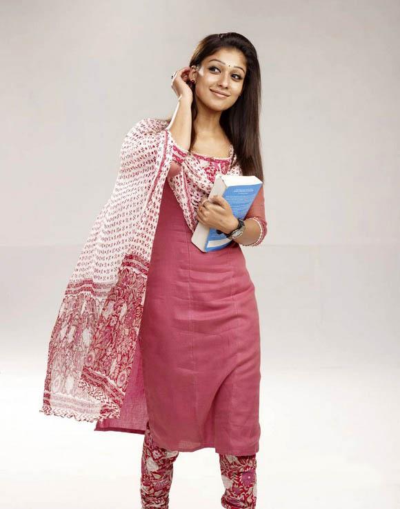SouthIndian Actress Gallery: Nayantara cute n spicy photos