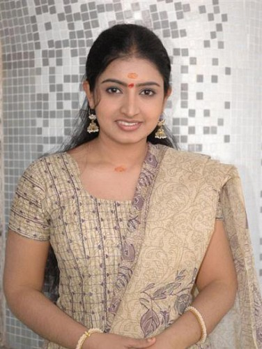 Southindian actress Sujitha hot photogallery glamour images