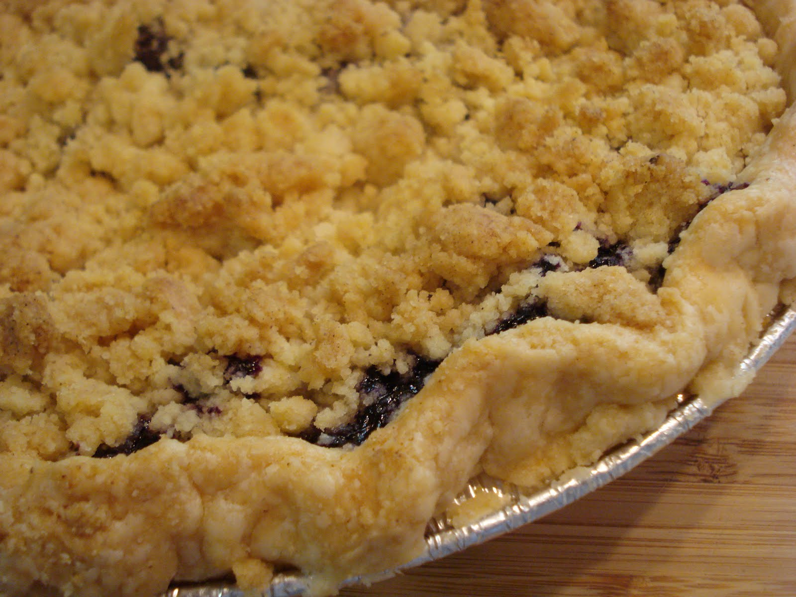Blueberry Crumb Pie ( adapted from a little here and a little there!)