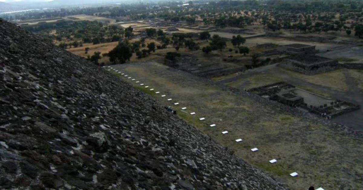 Teotihuacan en l nea el espect culo de luz y sonido en la for Espectaculo de luz y sonido en teotihuacan