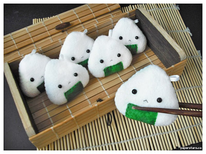 Talk About Random!: How to make a Onigiri!!
