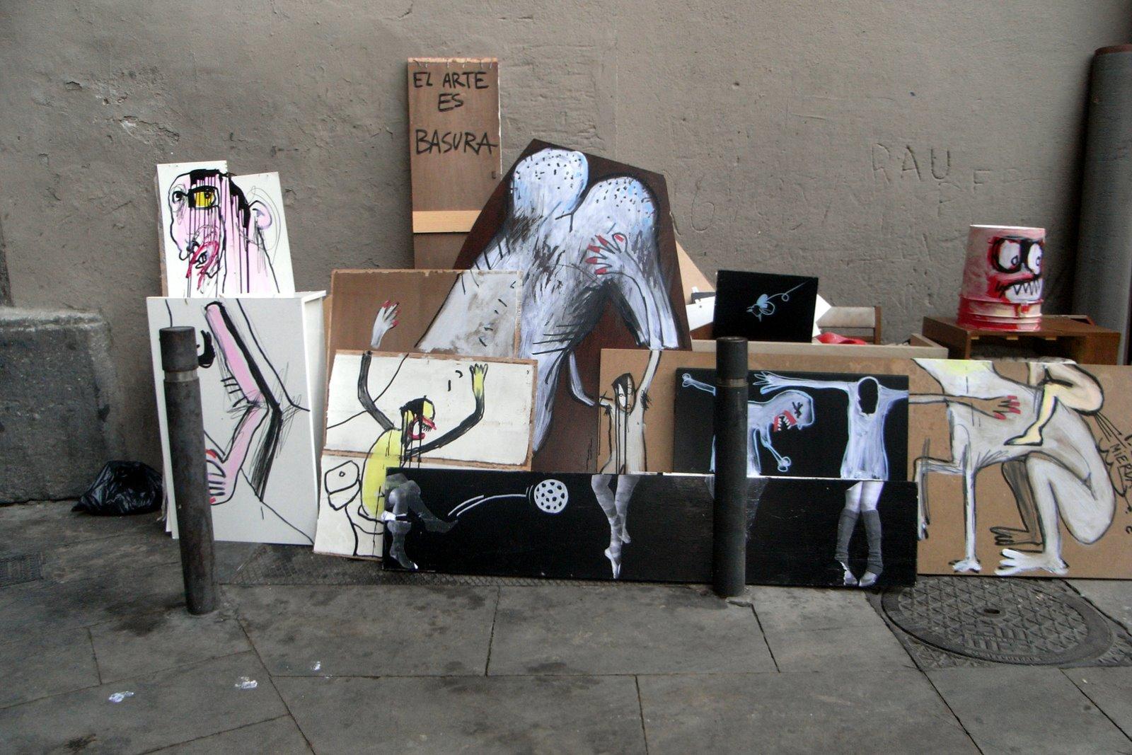Pensi n ulises cada martes el arte es basura for Quien compra muebles usados