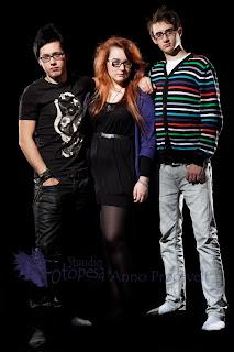 Värviline stuudiofoto noortest. Fotostuudio  Fotopesa Tallinnas