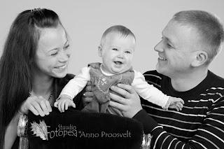 Mustvalge perepilt. Fotostuudio  Fotopesa Tallinnas