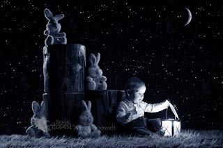 Poiss öisel taustal laternaga- Anno Proosvelt
