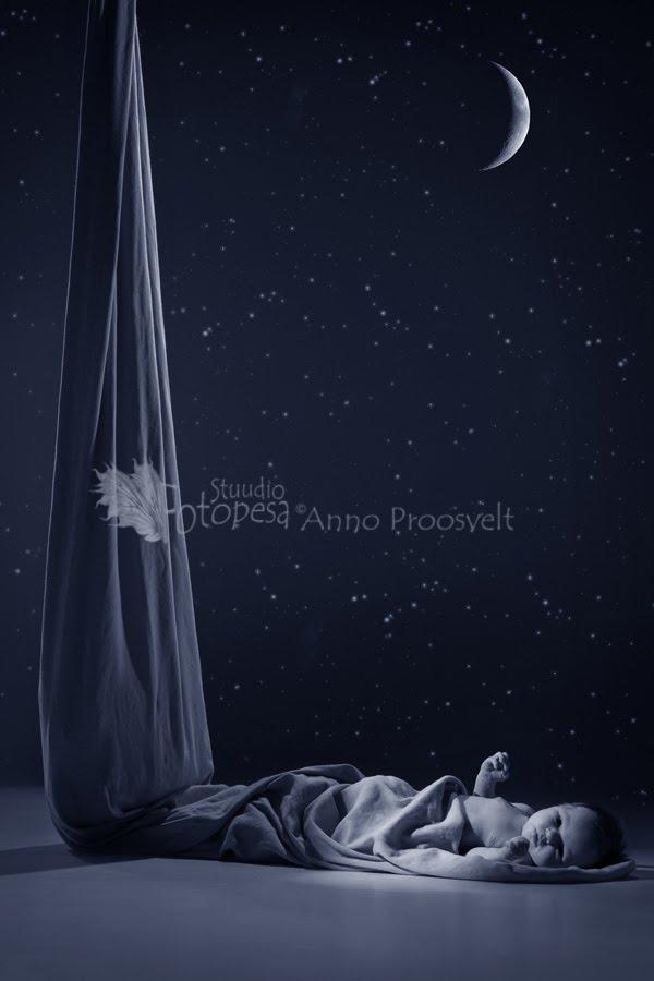 beebi öös, kuu ja tähed. Fotostuudio Fotopesa